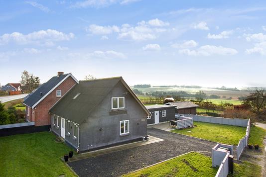 Villa på Viborgvej i Sabro - Ejendommen