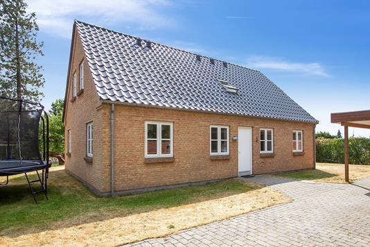 Villa på Gedingvej i Tilst - Set fra vejen