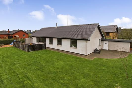 Villa på Knøsvej i Spentrup - Ejendommen