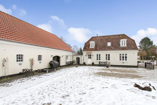 Villa på Randersvej i Langå - Ejendommen