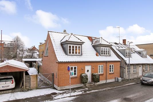Villa på Lene Bredahls Gade i Randers C - Ejendommen
