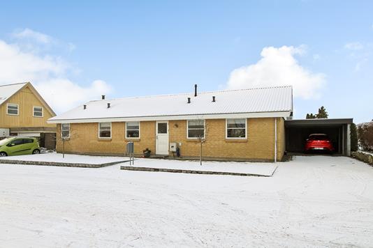 Villa på Hans Mikkelsvej i Spentrup - Ejendommen