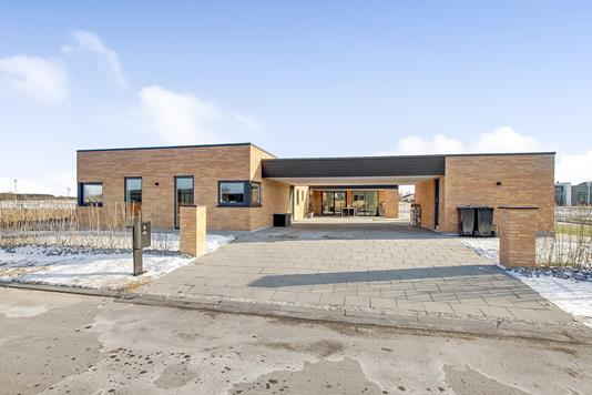 Villa på Kong Olafs Vej i Randers NV - Ejendommen