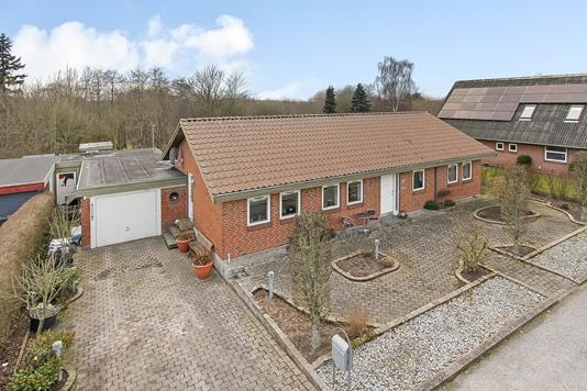Villa på Hasselvænget i Fårup - Ejendommen