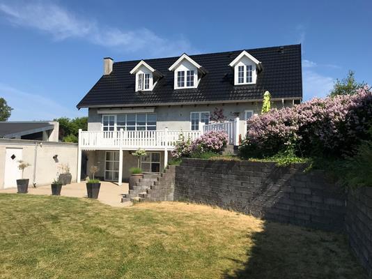 Villa på Højriisvej i Randers NØ - Ejendommen