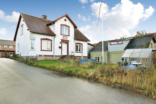 Villa på Damvej i Randers SØ - Ejendommen