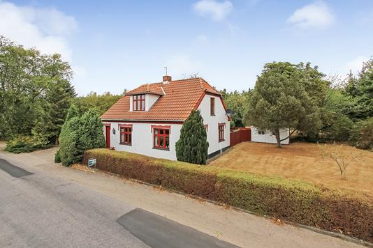 Villa på Voer Færgevej i Ørsted - Ejendommen