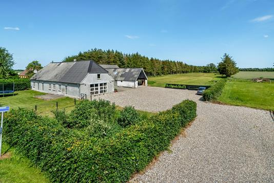 Villa på Færgevej i Havndal - Ejendommen