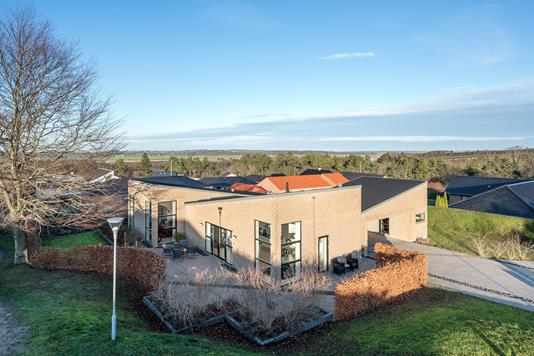 Villa på Sanglærkevej i Randers SØ - Ejendommen