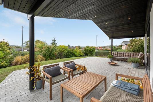 Villa på Bidstrupvej i Randers NØ - Overdækket terrasse