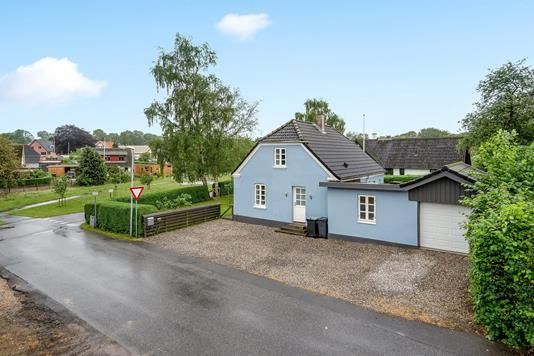 Villa på Tværgade i Gjerlev J - Ejendommen