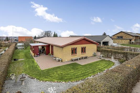 Villa på Svendborgvej i Randers SV - Ejendommen