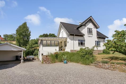 Villa på Ulstrupvej i Langå - Ejendommen