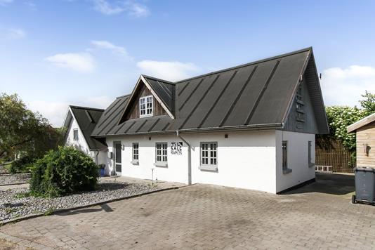Villa på Skomagerbakken i Gjerlev J - Ejendommen