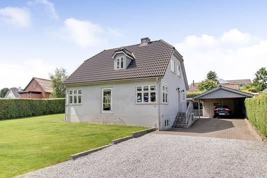Villa på Skovboulevarden i Langå - Ejendommen