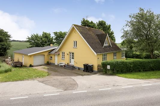 Villa på Udbyhøjvej i Randers NØ - Ejendommen