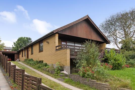 Villa på Hasselvej i Randers NØ - Ejendommen
