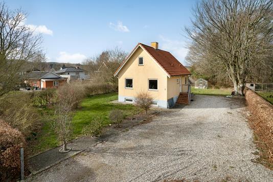 Villa på Kirsebærvej i Langå - Ejendommen