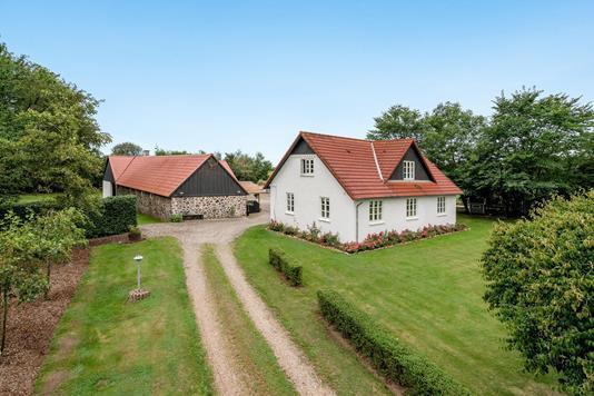 Landejendom på Højbjerg Huse i Rødkærsbro - Ejendommen