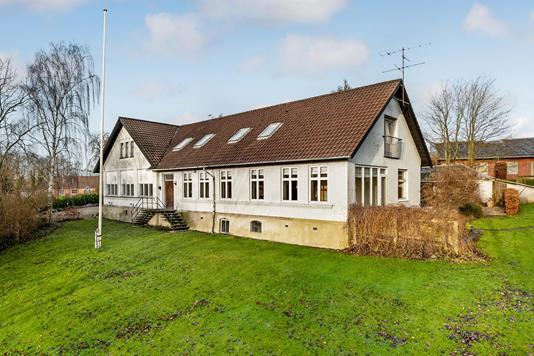Villa på Kirkegade i Thorsø - Ejendommen