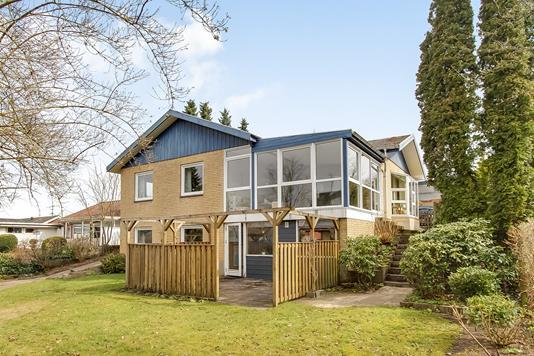 Villa på Skovbakkevej i Ulstrup - Ejendommen