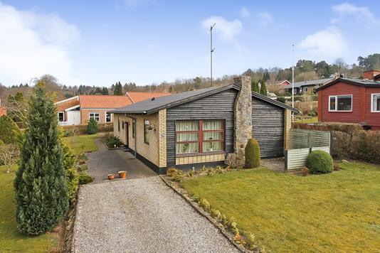 Villa på Fælledvej i Ulstrup - Ejendommen