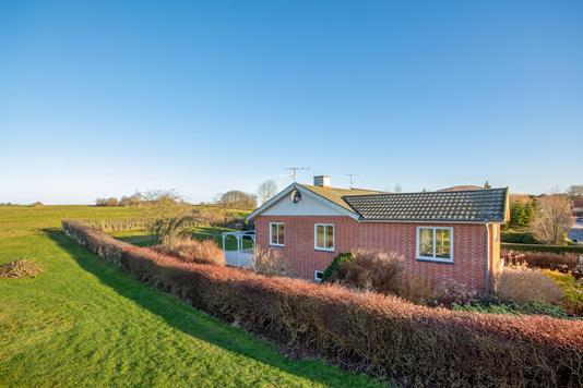 Villa på Lykkevej i Ulstrup - Ejendommen