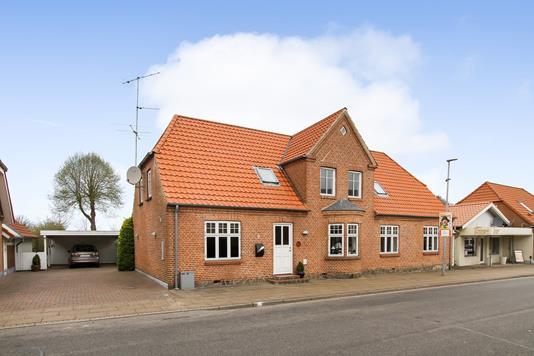 Villa på Teglgade i Ans By - Ejendommen