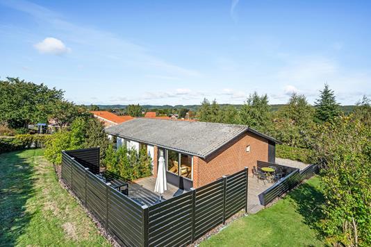Villa på Nyvangsvej i Ulstrup - Ejendommen