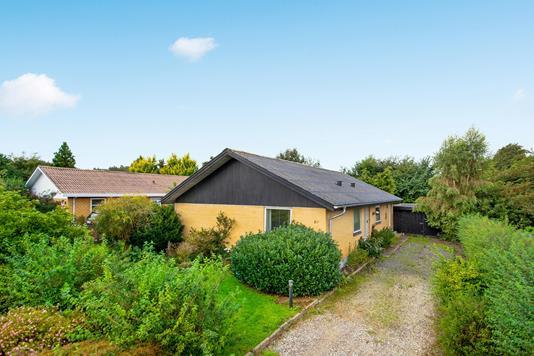 Villa på Vestervangsvej i Ulstrup - Ejendommen