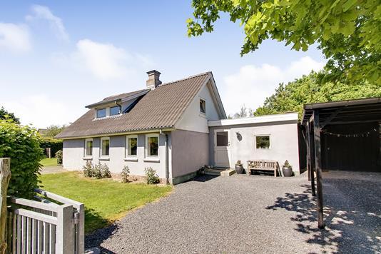 Villa på Vrangstrupvej i Langå - Ejendommen