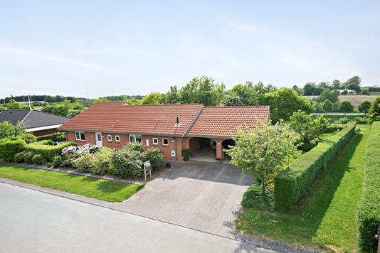Villa på Hjortespringet i Bjerringbro - Facade