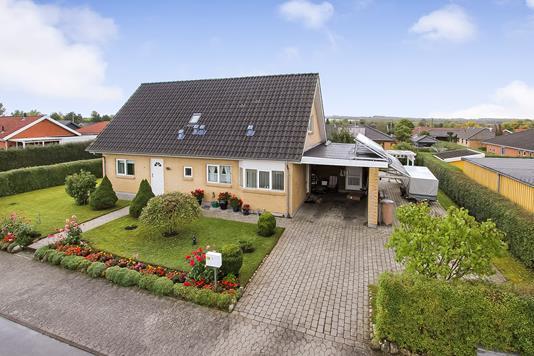 Villa på Stendalen i Bjerringbro - Ejendommen