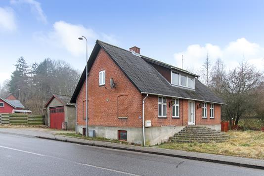 Villa på Løvskal Landevej i Bjerringbro - Ejendommen