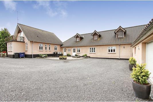 Villa på Hagenstrupvej i Ulstrup - Facade