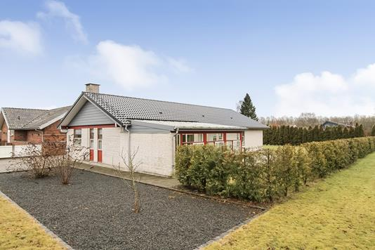 Villa på Madekildeengen i Bjerringbro - Ejendommen