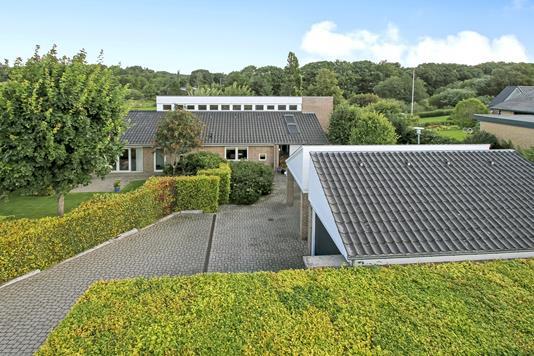Villa på Thorsølundvej i Thorsø - Ejendommen