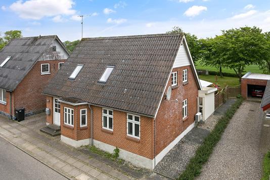 Villa på Nyhåbsvej i Snedsted - Ejendommen