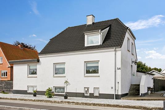 Villa på Hjermvej i Struer - Ejendommen