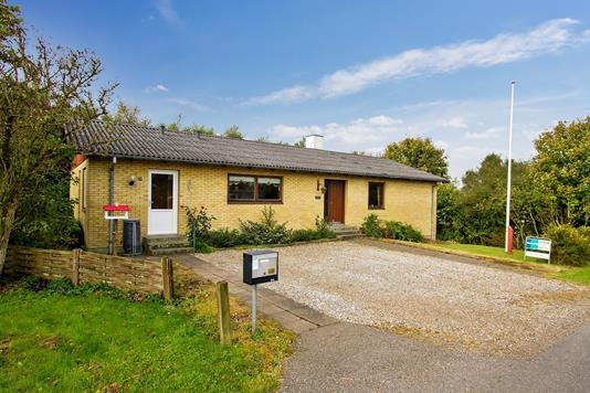Villa på Iruplundvej i Bedsted Thy - Set fra vejen