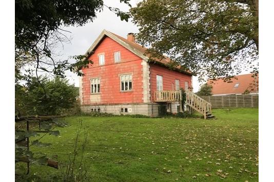 Villa på Kirkegade i Thyholm - Ejendommen