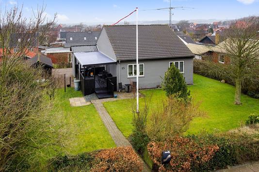 Villa på Møllebakken i Hurup Thy - Set fra haven