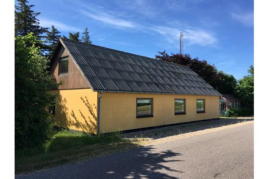 Villa på Algade i Snedsted - Set fra vejen