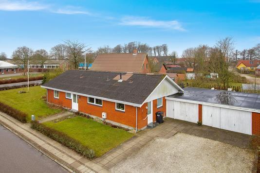 Villa på Degnevænget i Snedsted - Ejendommen