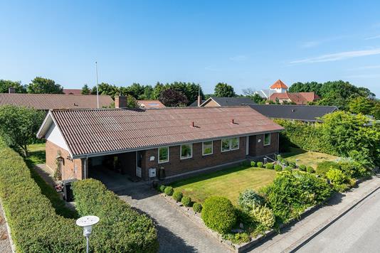 Villa på Odinsvej i Snedsted - Set fra vejen