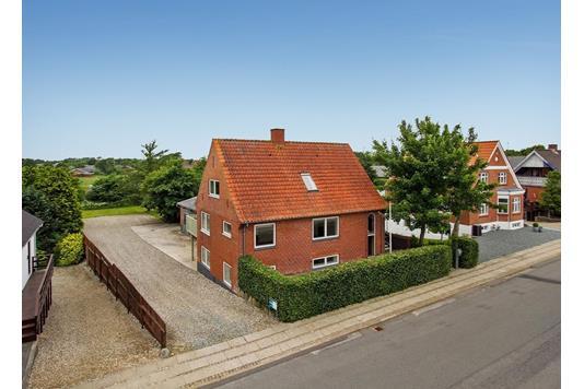 Villa på Algade i Snedsted - Ejendommen