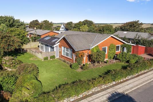 Villa på Niels Ebbesensvej i Vestervig - Set fra vejen