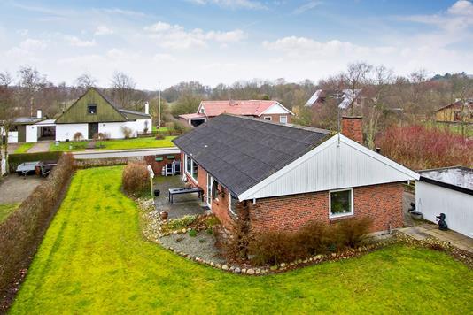 Villa på Siriusvej i Thyholm - Set fra haven