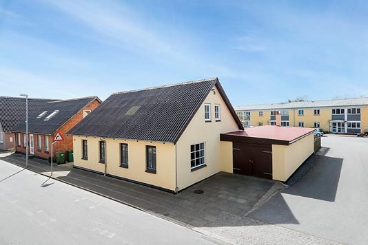 Villa på Vestergade i Thyholm - Ejendommen