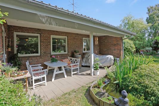 Villa på Abildtoft i Tørring - Overdækket terrasse